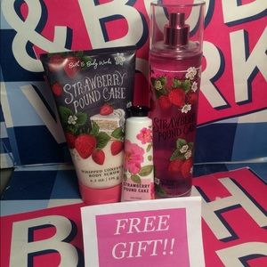 Bath & Body Works Strawberry Pound Cake Set w/GIFT